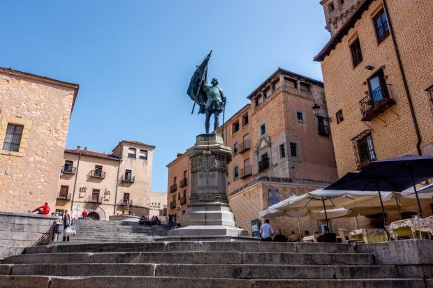 Plaza San Martin with its statue of revolutionary fighter Juan Bravo is an interesting stop on a Segovia walking toury
