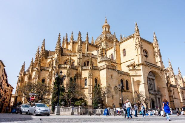 The exterior of the Segovia Cathedral. Visiting here is one of the top things to do on a Segovia day trip.