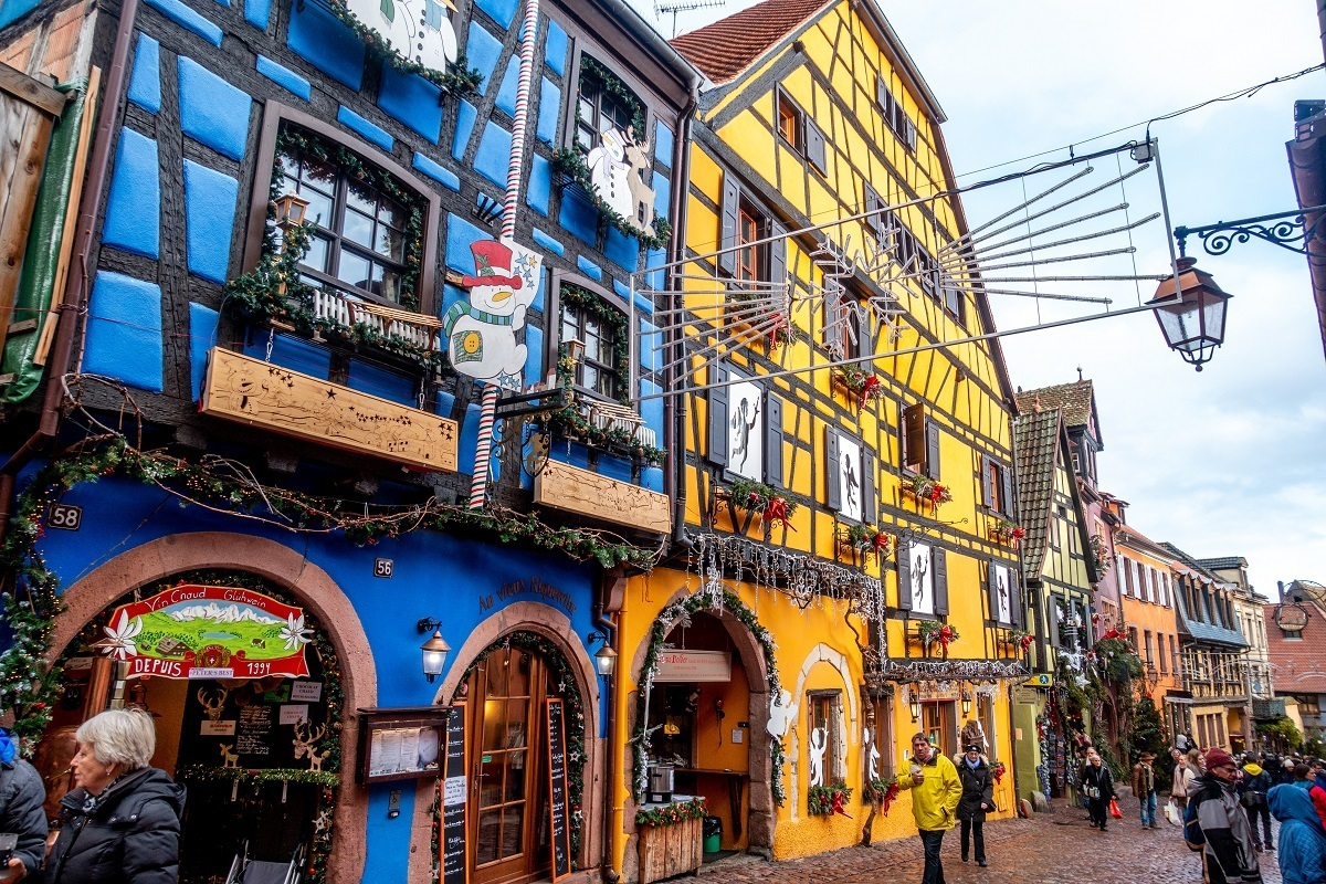 Buildings in Riquewihr decorated for Christmas