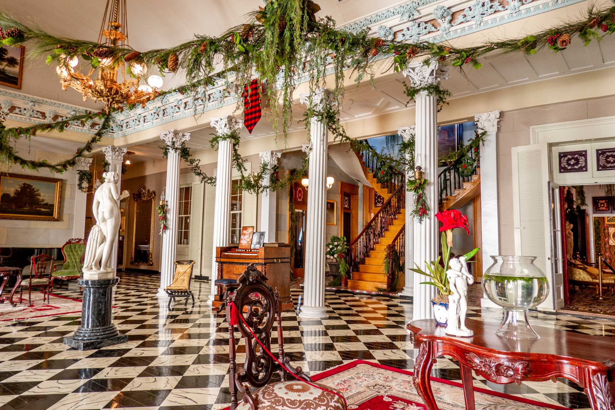 Decorated room with columns at Belmont Mansion