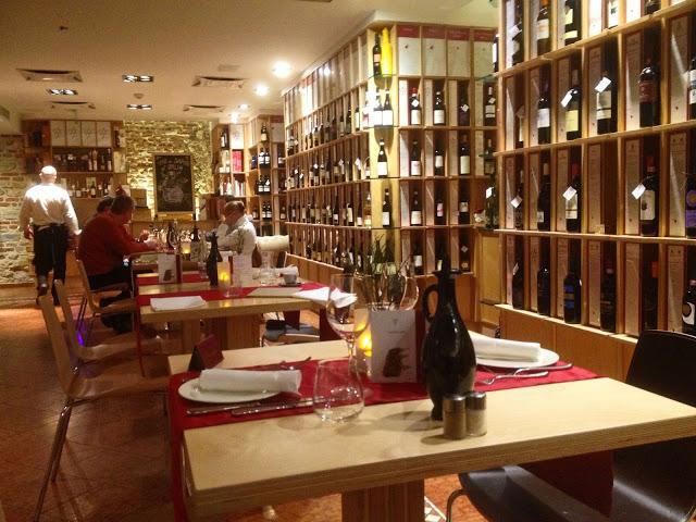 Tables at the Vino di Vino in Prague